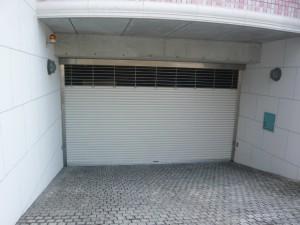 FK YAGOTOシャッター付地下駐車場