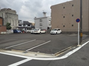 汐路町4丁目駐車場