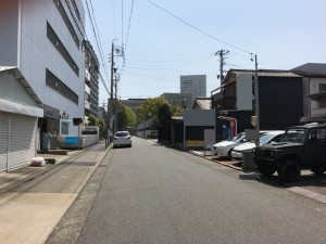 伊勢山2丁目Tパーキング(1台・縦列)