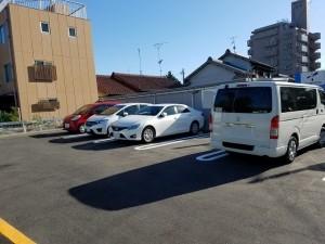 FK AK駐車場