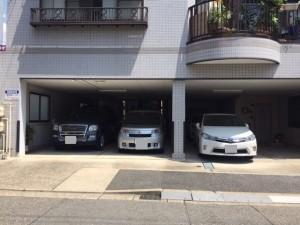 金山町1丁目屋根付駐車場