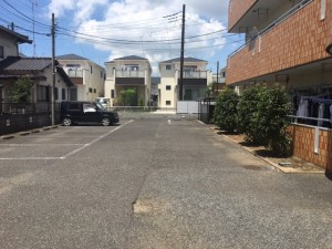 FK前島マンション駐車場