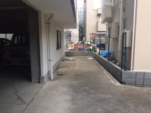 佐々木邸駐車場